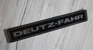 Deutz-Fahr Aufkleber silber Baureihe 07